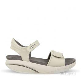 Malia W white